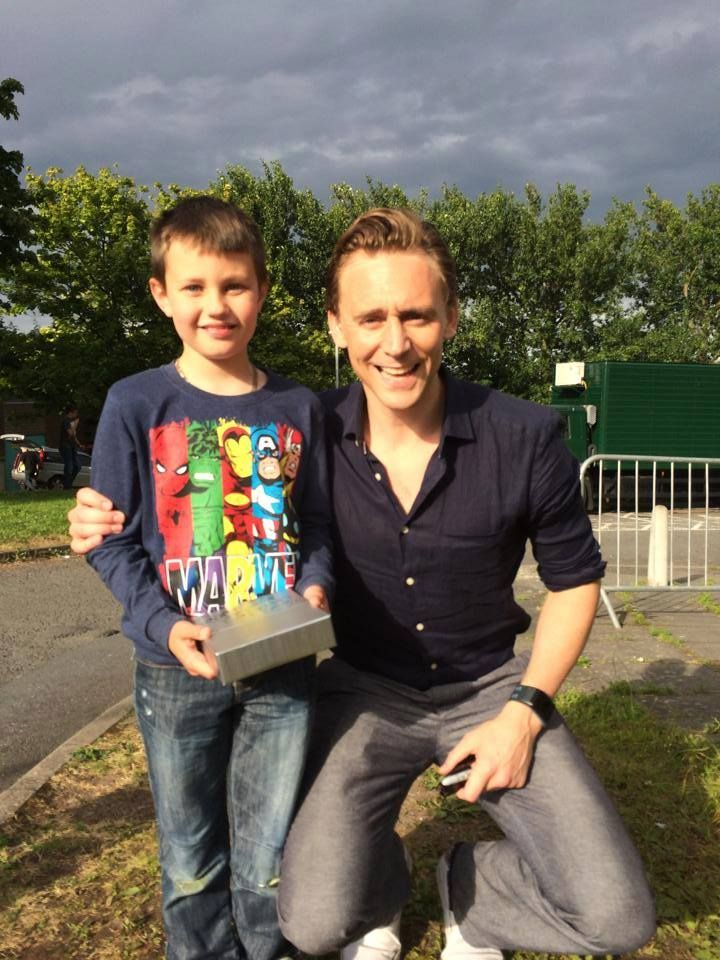 BBC Newsline You never know who you'll meet down when you are out and about in County Down. Rob Jackson and his son Conor ran into the actor Tom Hiddleston earlier this week. The star of the Thor and Avengers Assemble films is making his next film in Northern Ireland. Thanks for sending in the pic Rob, hope Conor enjoyed getting the autograph, he was certainly in the right t-shirt to meet him!.