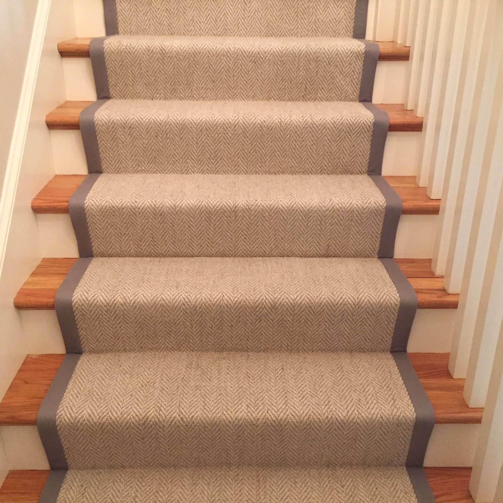 Best Momenirug Herringbone Stair Runner Bedroom Carpet 400 x 300