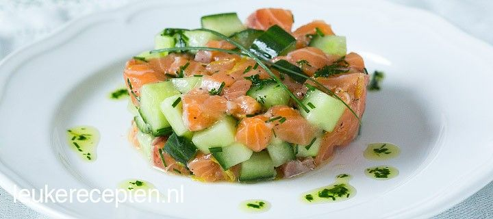 Zalmtartaar met komkommer