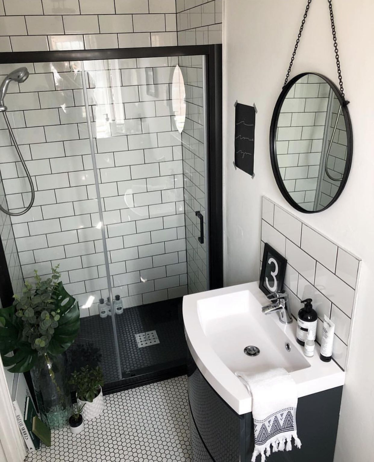 Small Bathroom Choosing Bathroom Flooring Is Far Different From Choosing Flooring In Other Parts Of The Ho Small Shower Room Bathroom Design Small Shower Room