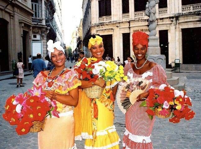 Tipico Típicos Ciudad CubaMi Traje Lejos Desde 2019 In Trajes QoWedCrxB