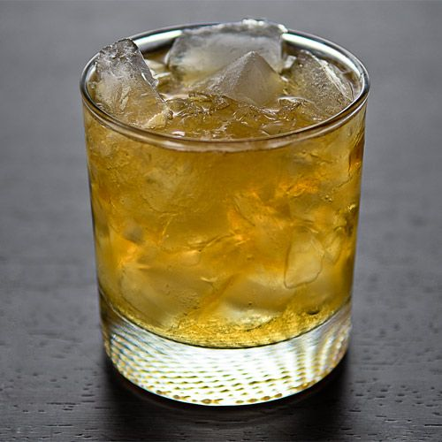 Classics You Should Know The Stinger Cocktail Recipe Stinger Cocktail Recipe Brandy Cocktails Brandy Drink