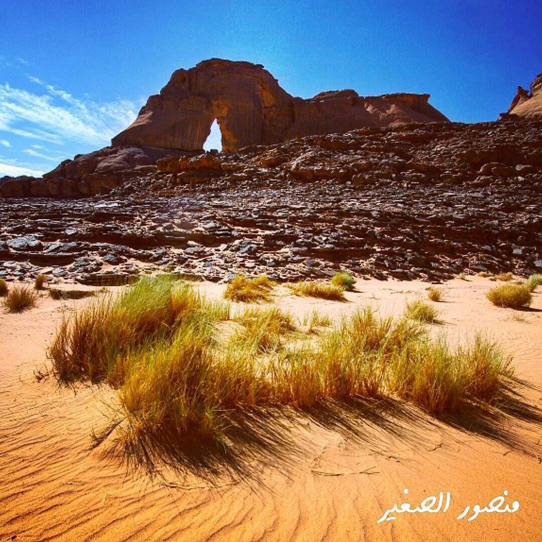 6 قوس صخري اكاكوس غات ليبيا هناك المئات من الأقواس في اكاكوس أشهرها قوس افيضجار في الصور السابقة على حدود Beautiful Nature Photo Instagram