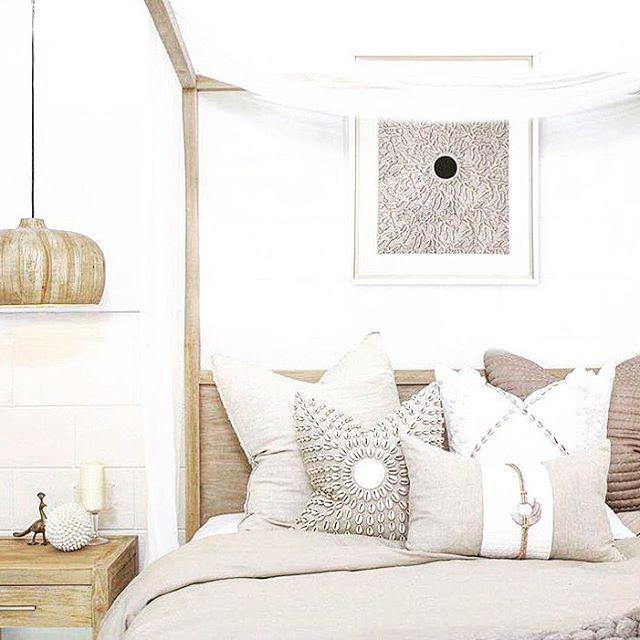 pingl par val rie pinon sur mise en sc ne chambre et mise en sc ne. Black Bedroom Furniture Sets. Home Design Ideas