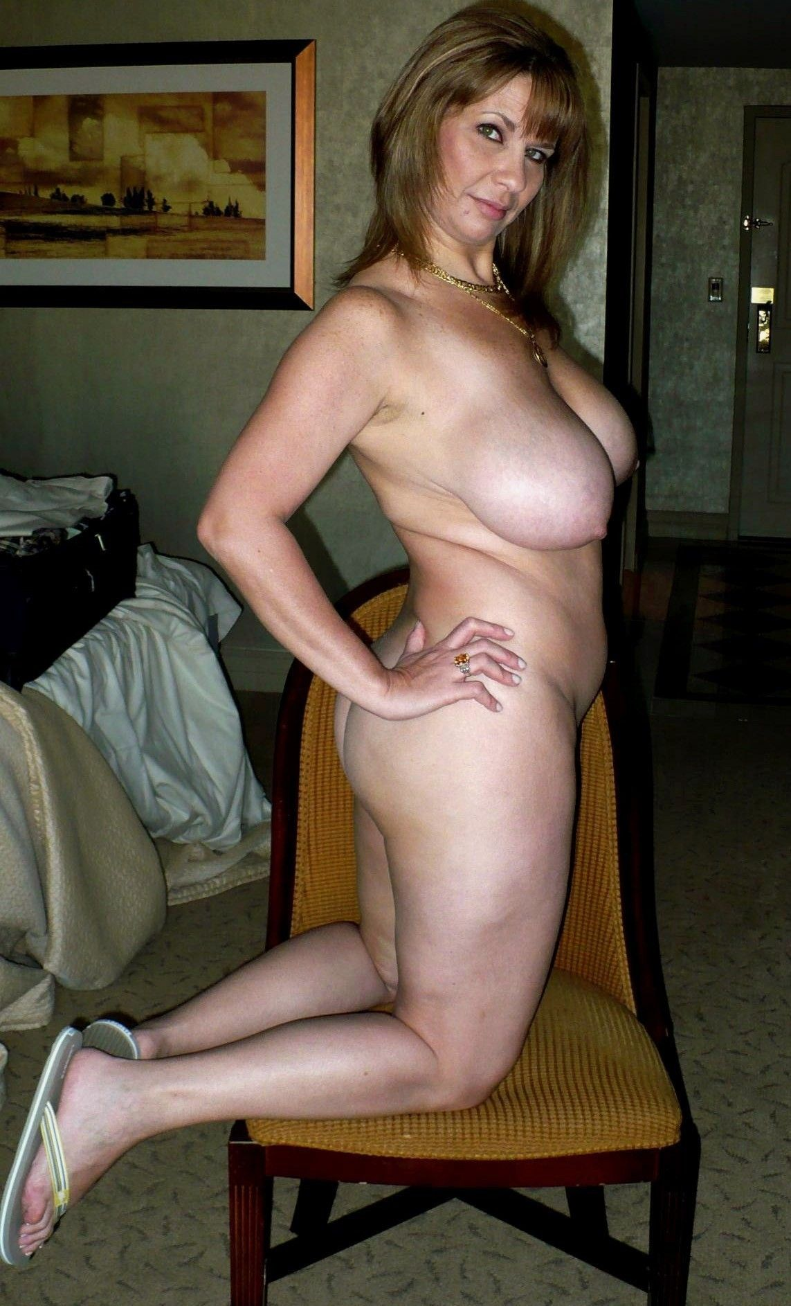 PHAT TITTED ASH BLONDE LOVES SUMMER HOOK UP AND GETS ALL JIZZ GLAZED