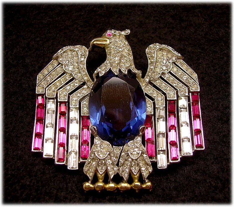 TRIFARI Rare Patriotic American Eagle Pin: Book Pc.