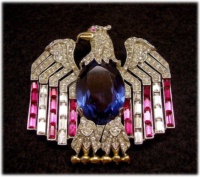 TRIFARI Rare Patriotic American Eagle Pin: Book Pc.