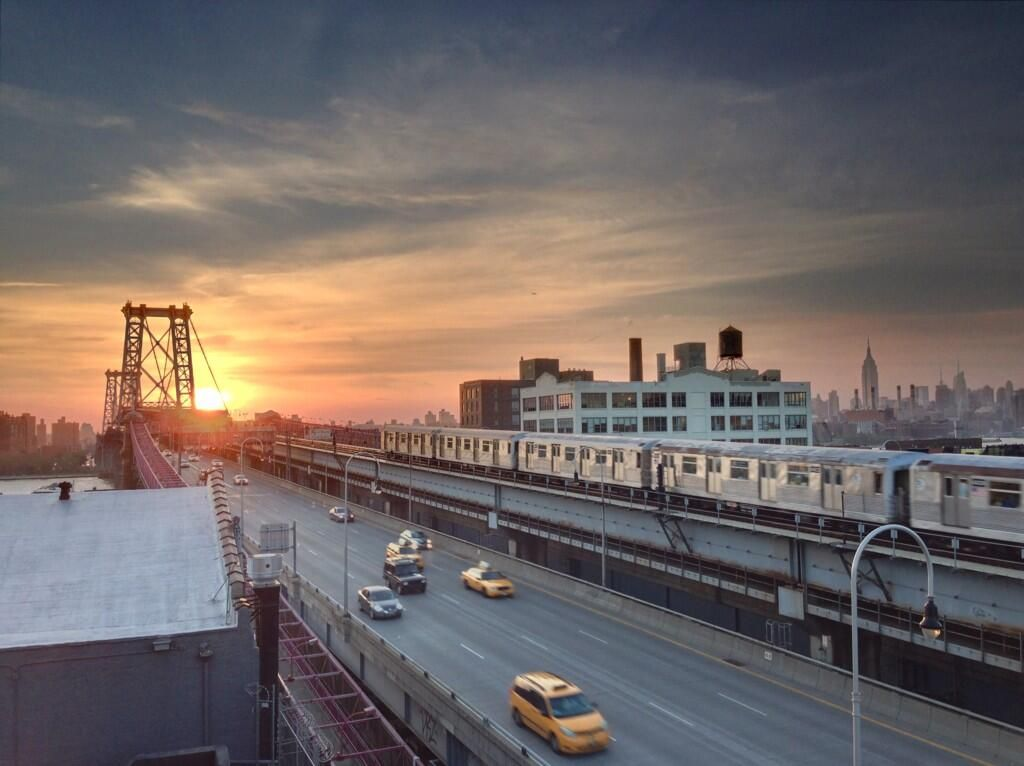Brooklyn sunset https://twitter.com/quarrygirl/status/340984482574241792/photo/1  via @EverythingNYC via @quarrygirl on Twitter 20130601