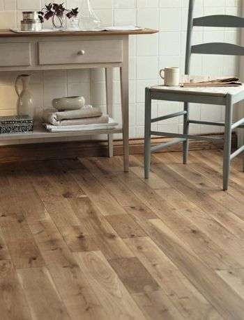 Should We Try To Match Laminate Flooring To Existing Hardwood Good Questions House Flooring Flooring Oak Floors