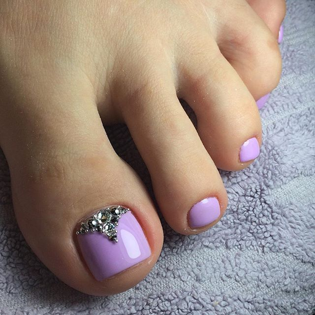 Purple Rhinestone Toe Nailart Purple Toe Nails Lilac Nails Pedicure Designs Toenails