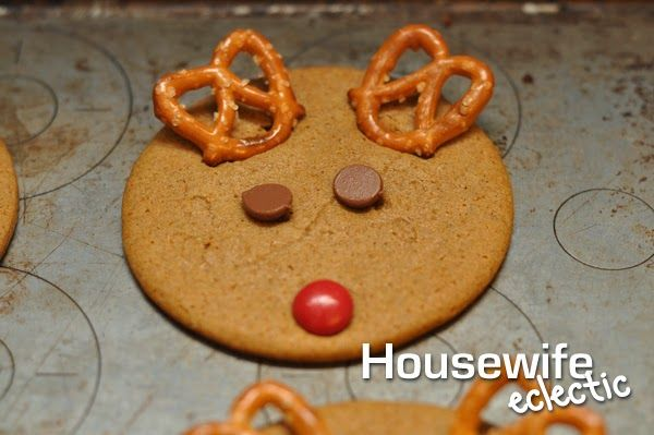 Quick And Easy Reindeer Cookies With Nestle Tollhouse Family