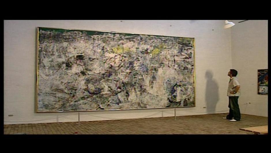 Portræt af Asger Jorn. Myten om Asger Jorn lever i bedste velgående. Han grundlagde kunstnersammenslutningen Cobra, der gjorde ham verdensberømt. Han opfandt nye  kunstneriske retninger og opnåede enorm kollegial anerkendelse. Et folkeligt gennembrud fik han dog aldrig og personlige kriser og viljen til kunstnerisk frihed gjorde, at han levede et fattigt kunstnerliv. Jorn døde i 1973 i en alder af 59 år. Tilrettelæggelse: Niels Birkemose. Sendt første gang 16.05.04
