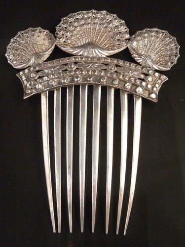 STERLING SILVER SCALLOPED HIGH BACK HAIR COMB / 1810 HENRY ADCOCK