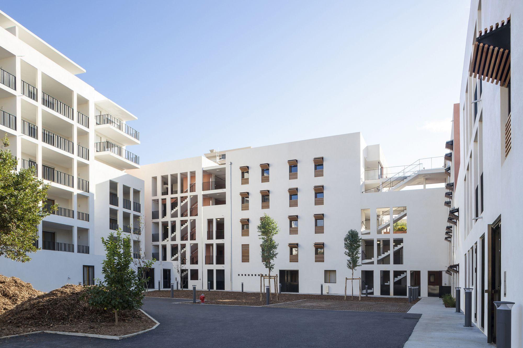 58 Social Housing in Antibes / Atelier PIROLLET architectes