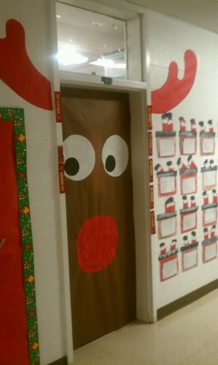 My rudolph door school december pinterest for Porte decorate scuola