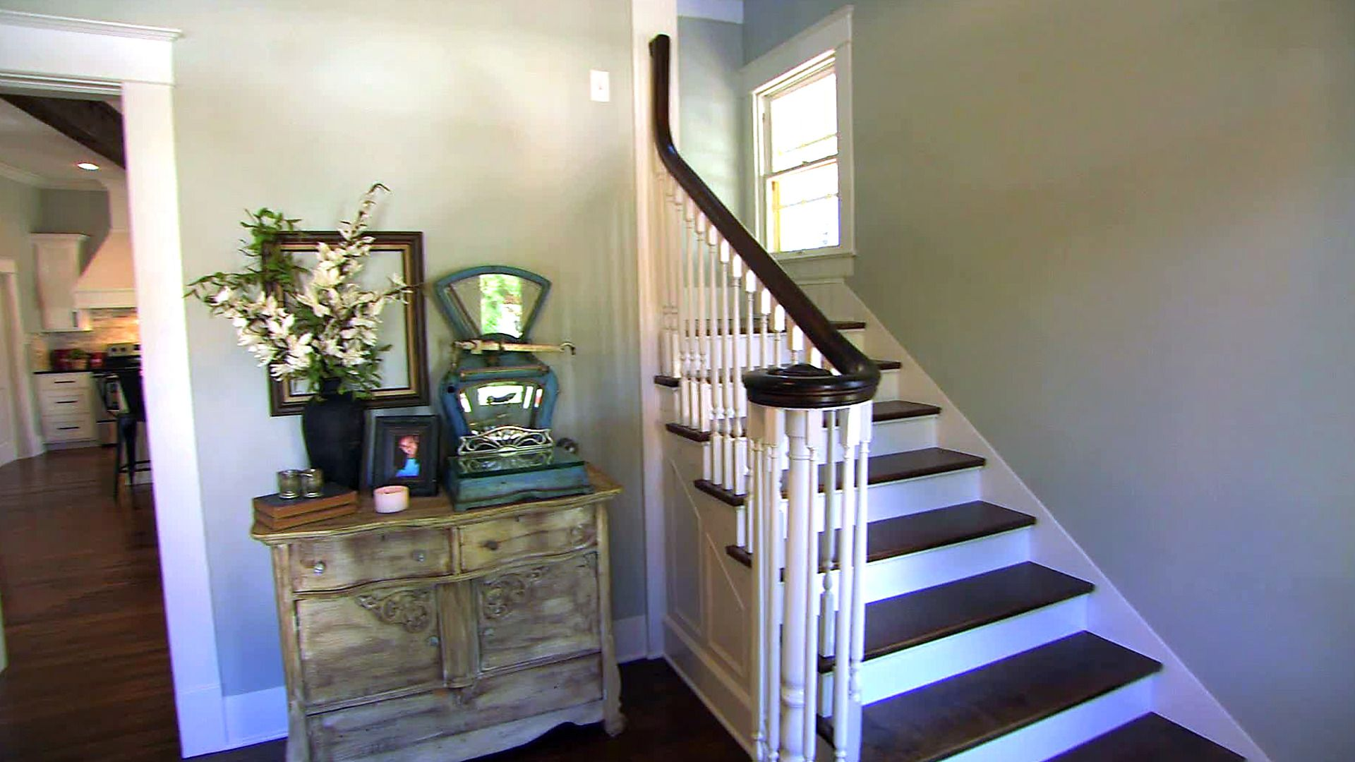 HGTV's Fixer Upper With Chip and Joanna Gaines | Show ...