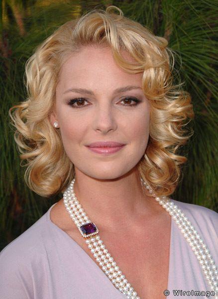 Katherine heigl multi strand pearl necklace pearls pearl jewelry actrices mujeres divas - Katherine heigl diva ...