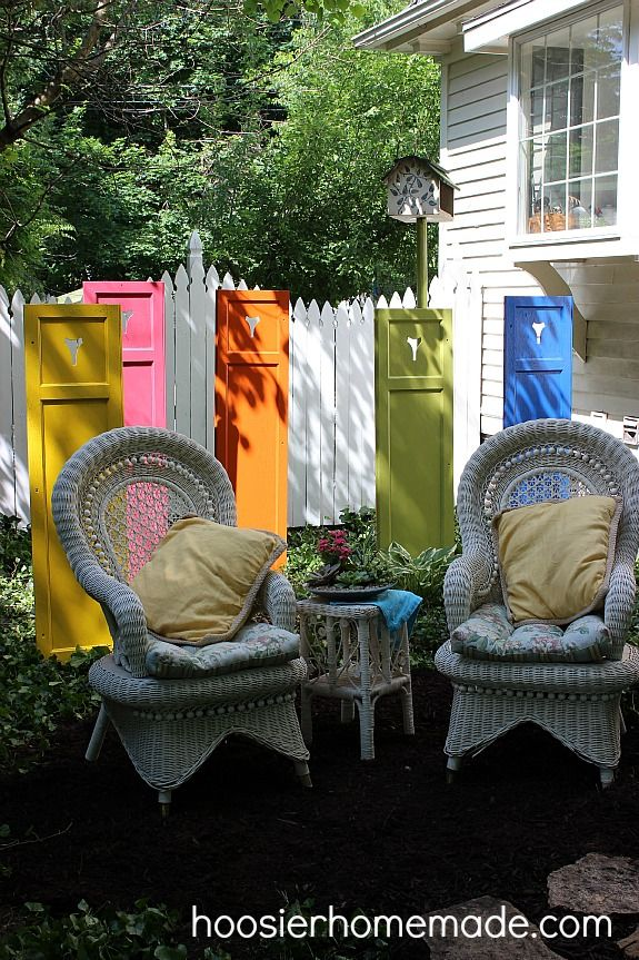 Garden Art Re Purposed Wood Shutter I Can See Doing This With Old Doors Too She Used A 1x2 Stake Hammered Shutters Repurposed Diy Garden Decor Wood Shutters