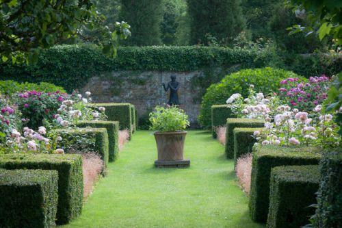 Madabout Garden Design Walled Rose Garden Pashley Manor Photo By Alan Buckingham On Flickr Garden Design Manor Garden Beautiful Gardens