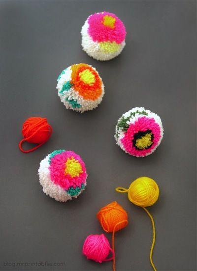 Tutorial for Flower Pompoms @ http://blog.mrprintables.com/making-flower-pom-poms-diy-pom-pom-maker/