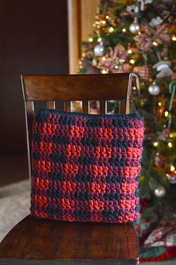 Crochet Plaid Pillow – Free Crochet Pattern – Whistle and Ivy – Crochet & Knitting