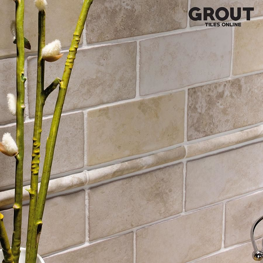 A Beautiful Natural Stone Inspired Ochre Brick Shaped Kitchen Tile From Our Popular Calabria Range We Have A Number Of Differen Style Tile Tiles Kitchen Tiles