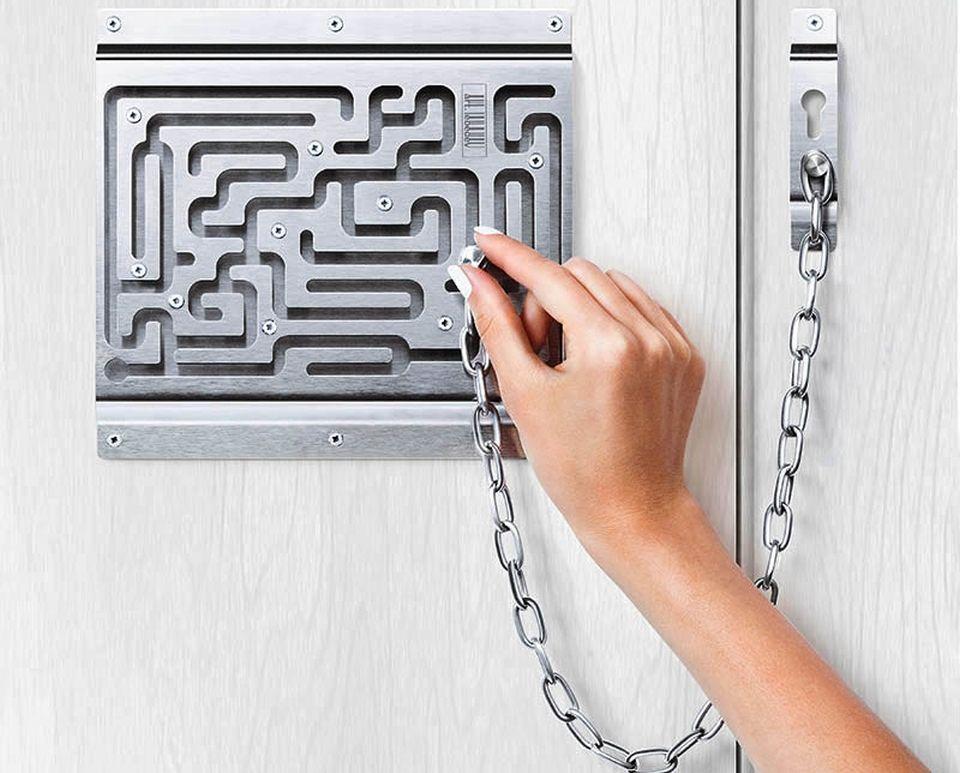 Solve puzzling Defendius labyrinth to open door chain lock | Door ...
