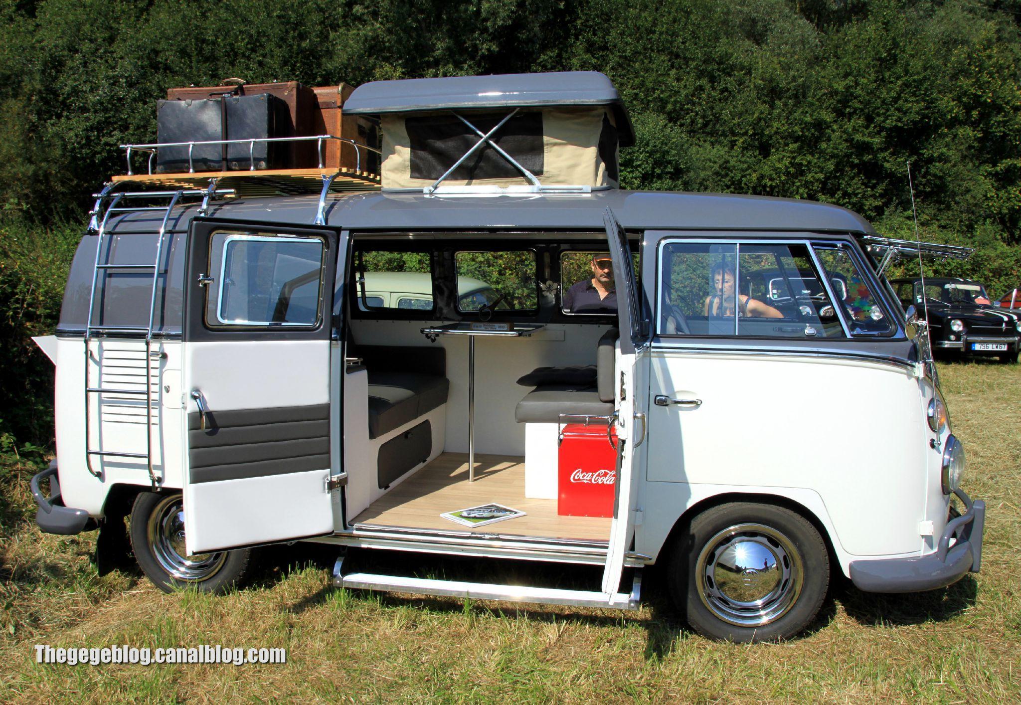Vw combi t1 westfalia split de 1965 auto retro nord for Interieur combi split