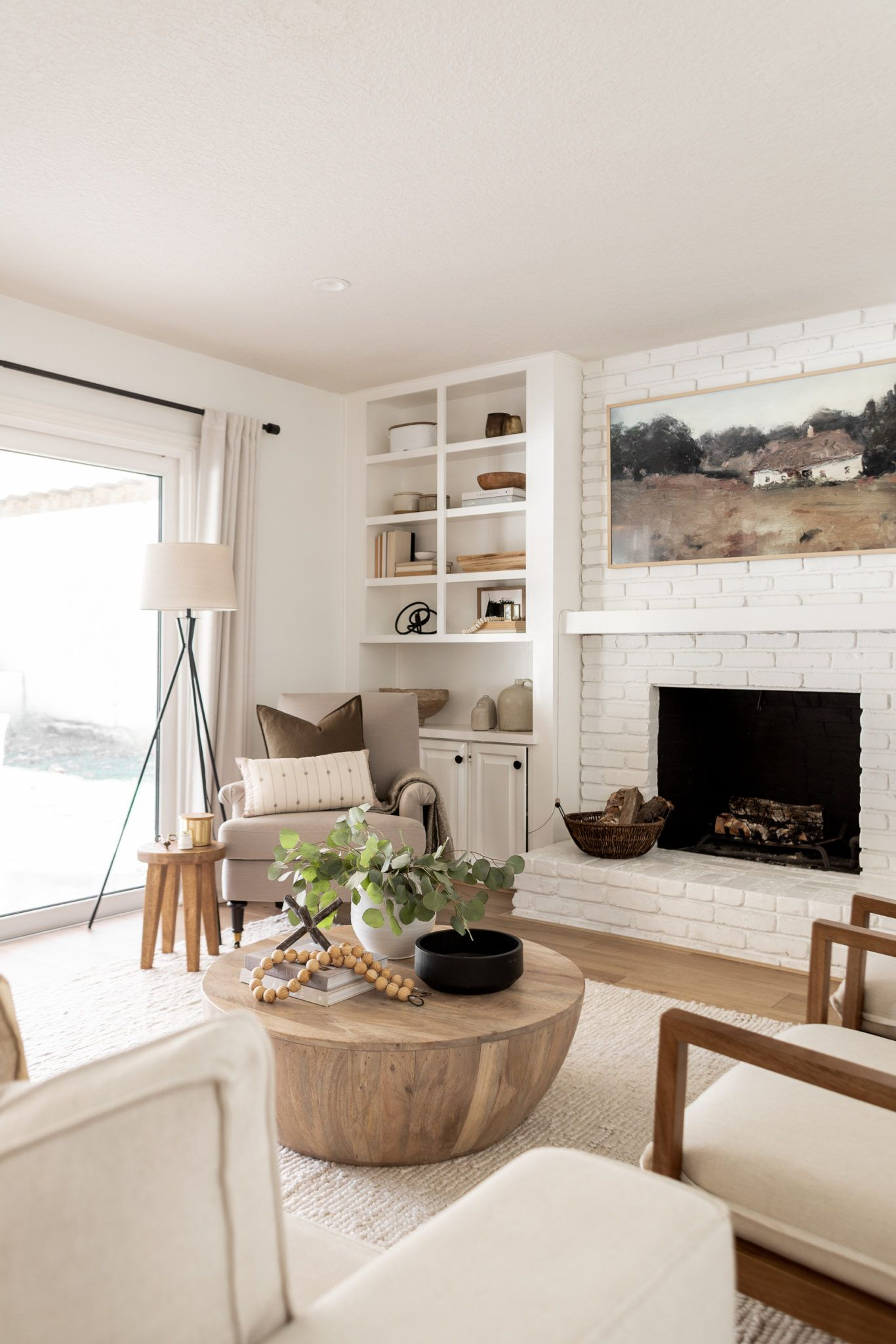 A Comfy Corner In The Family Room In 2021 Family Room Neutral Living Room Furniture Family Room Design