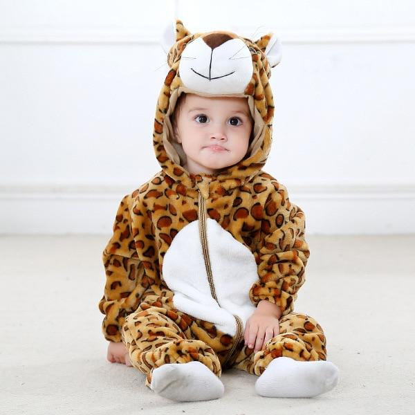 Brand Name: LUOYIMENGMaterial: COTTONOrigin: CN(Origin)Season: WinterGender: baby unisexAge Range: 0-6mAge Range: 7-12mAge Range: 13-24mPattern Type: AnimalDepartment Name: BabyCollar: HoodedClosure Type: zipperItem Type: RompersSleeve Length(cm): FullModel Number: romperFit: Fits true to size, take your normal sizeMaterial Composition: flannelbaby rompers: Inflant romperwinter clothes: baby jumpsuitromper: winter clothesonesie: kigurumi