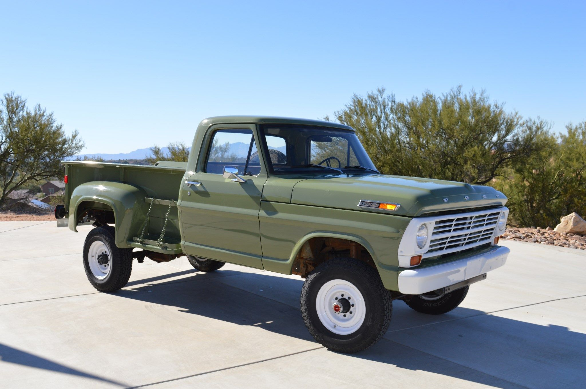 1968 Ford F 250 Lwb Flareside 4 4 Ford Trucks Trucks Chevy Trucks