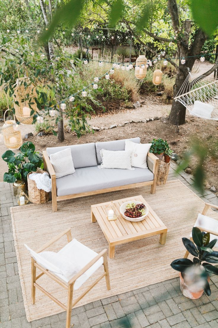 HOW TO STYLE YOUR OUTDOOR PATIO