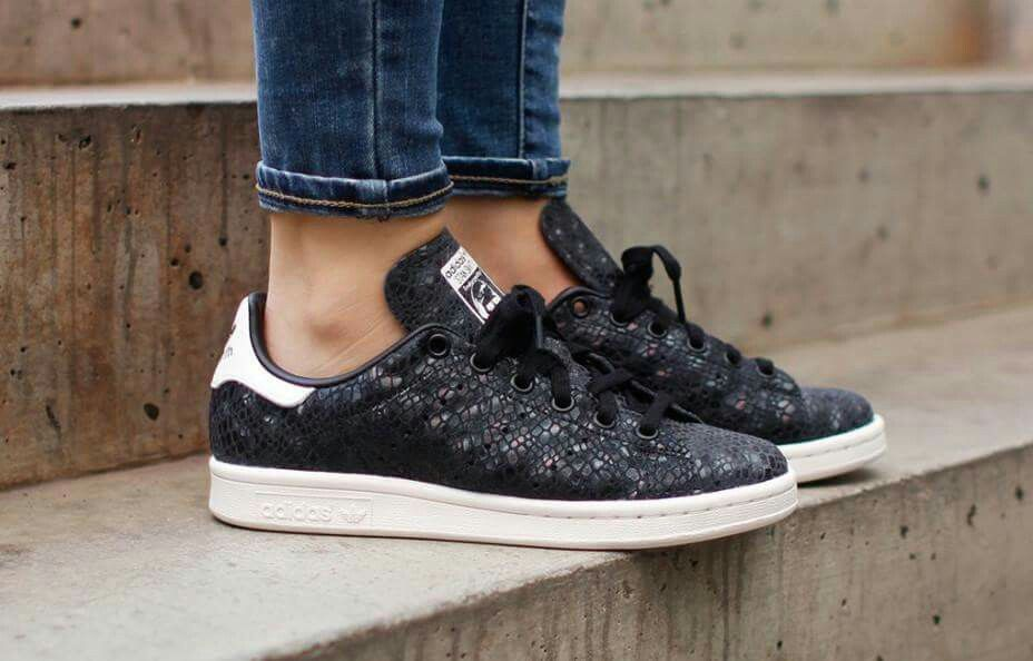 adidas stan smith core black