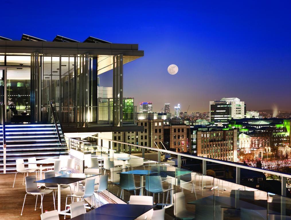 Booking Com Hotel Doubletree Tower Of London Londen Verenigd Koninkrijk Hilton Hotel London London Hotels London Rooftop Bar
