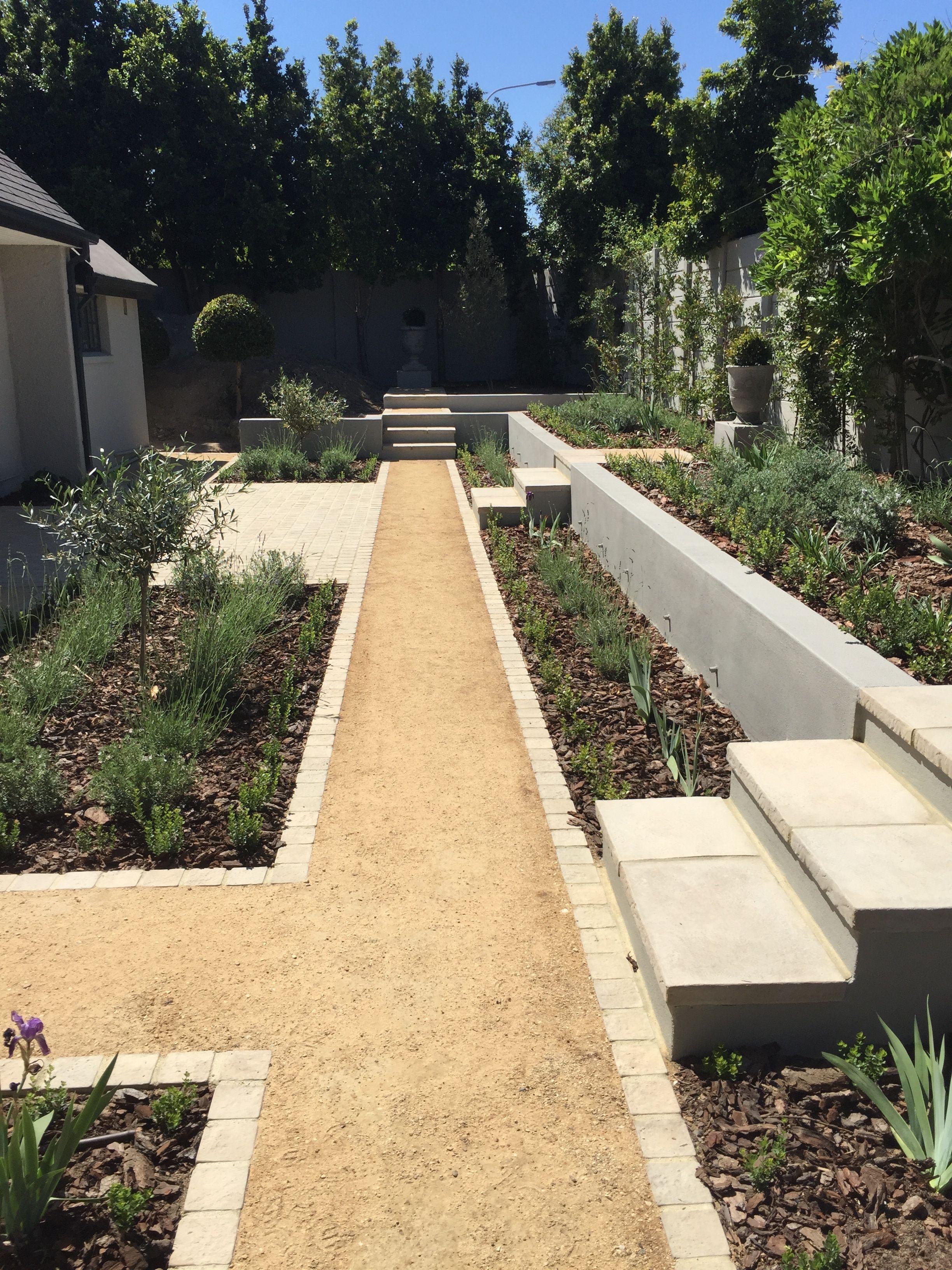 Cobble edged crusher dust pathway | House Boffa | Pinterest | Paving ...