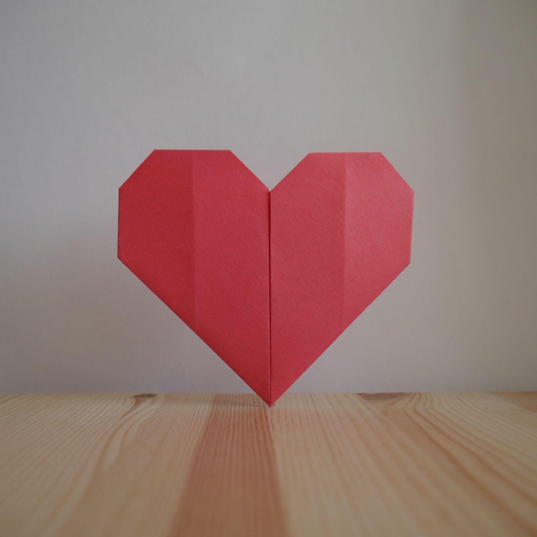 Origami How To Make A Heart Out Of Paper Video Lesson Origami Video Tutorial In Thi Paper Hearts Origami Easy Origami Heart Origami Heart Instructions