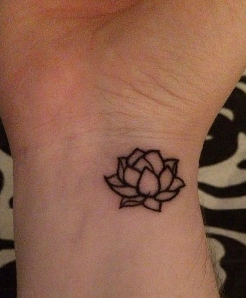 Small flower tattoo design 2016 500 606 for Small first tattoo designs