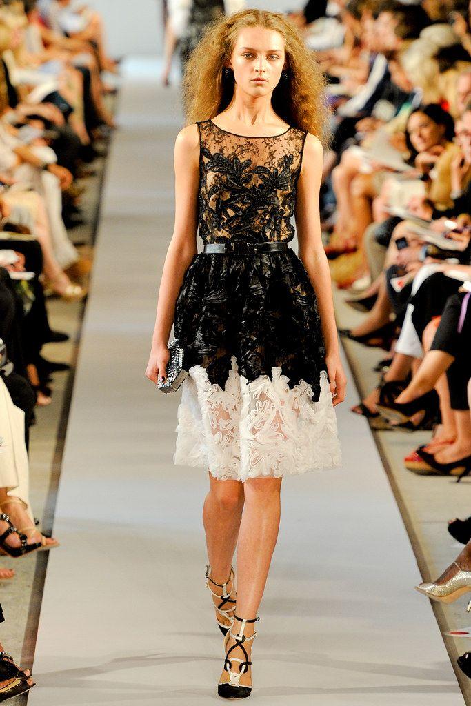 Oscar de la Renta Spring 2012 Ready-to-Wear Fashion Show - Daga Ziober