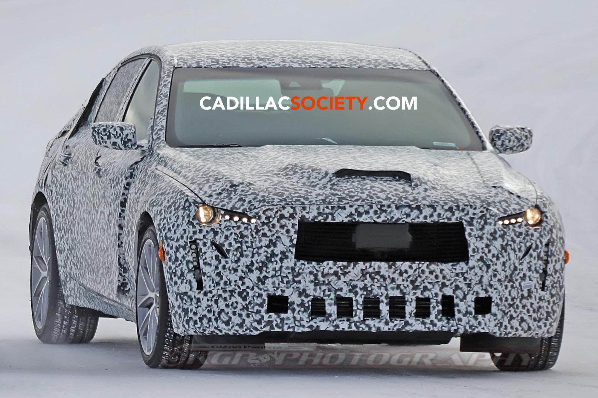 Spy Shots Cadillac Xt5 Picture