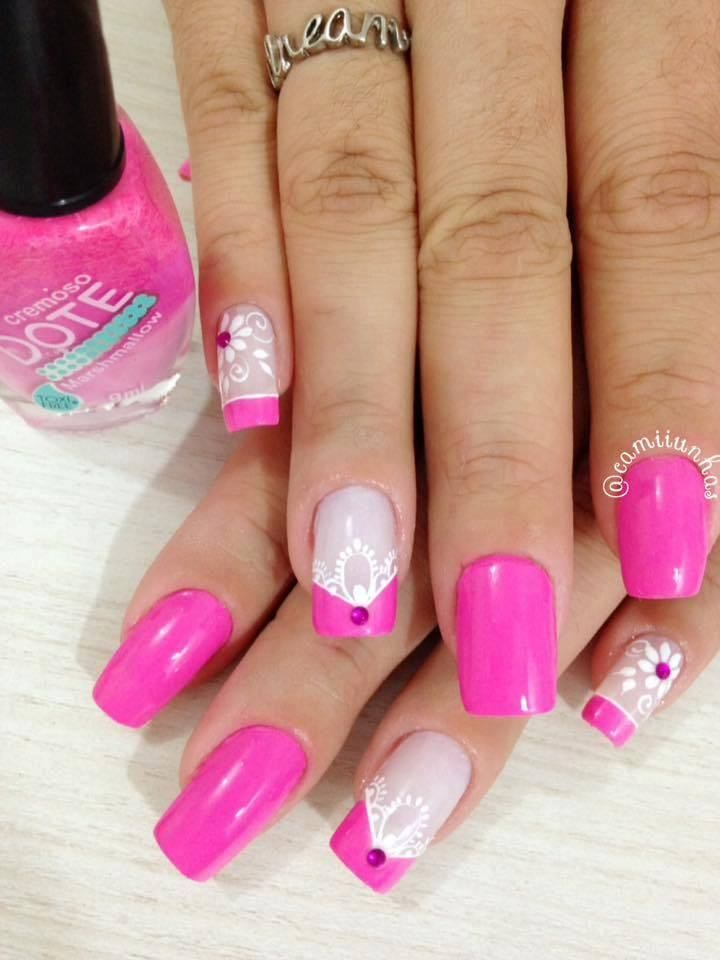 Mostly Women Like To Break At Homes Because They Don T Appeal To Go In The Frost And The Winter Air Conditi Pretty Nail Art Designs Tape Nail Art Pink Nail Art
