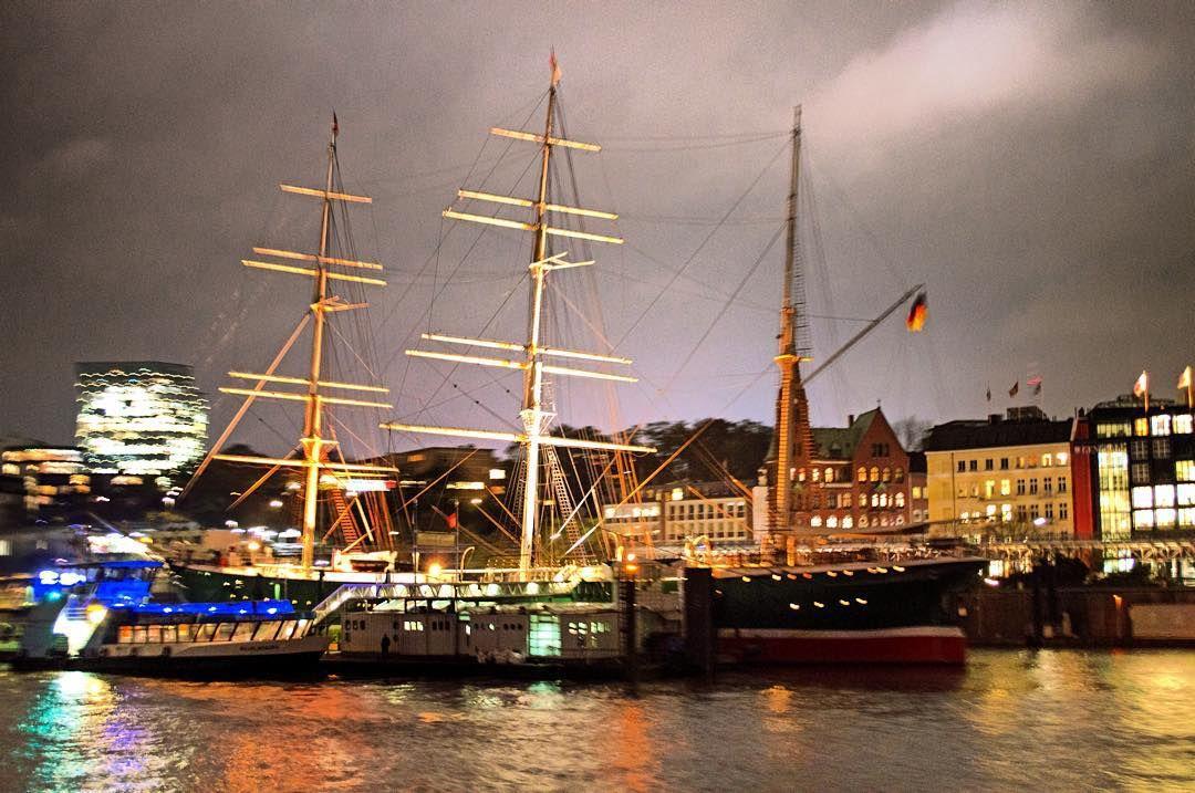 #rickmerrickmers #rickmer #rickmers #ship #sailship #hamburg #hh #portofhamburg #welovehh