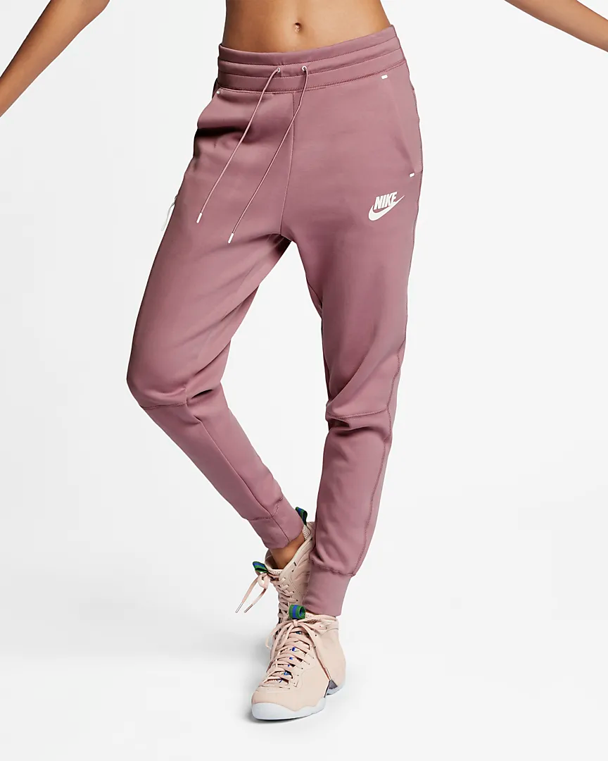 Nike Sportswear Tech Fleece Women's Pants. Nike