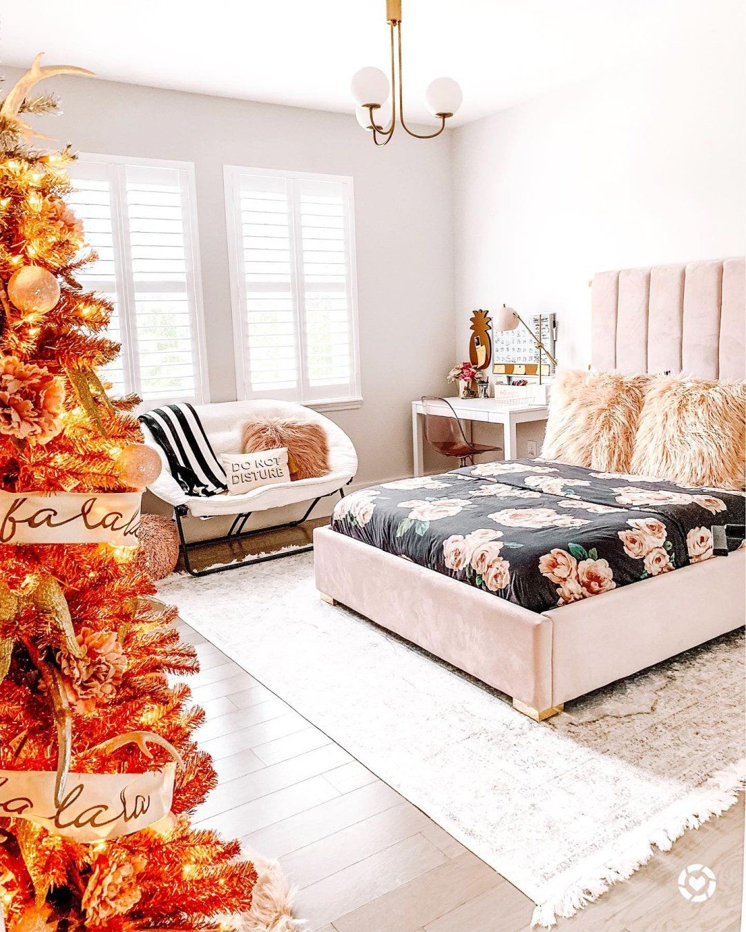 The Emily & Meritt Bed Of Roses Duvet Cover + Sham Black
