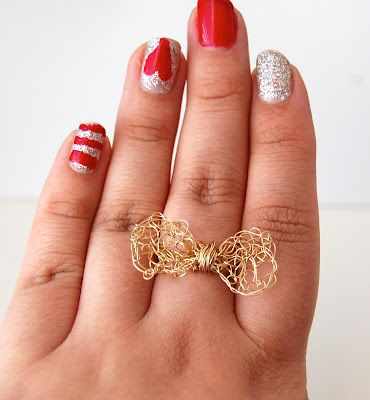 How to make this bow ring using wire and a crochet needle