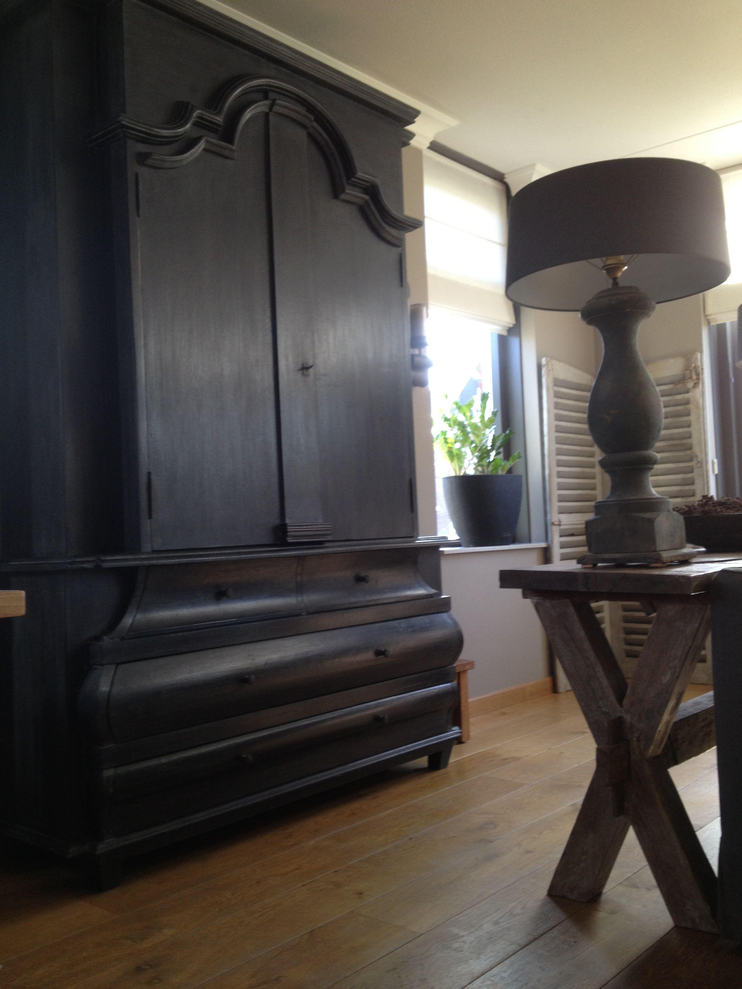 Hoffz buikkast en side table van juttersavontuur for Bieke vanhoutte interieur