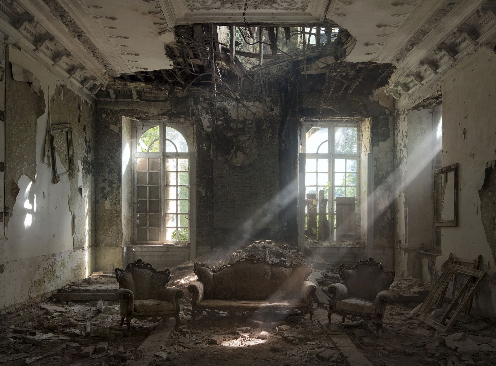 ajab-jankari-the-most-stunning-abandoned-places-on-earth
