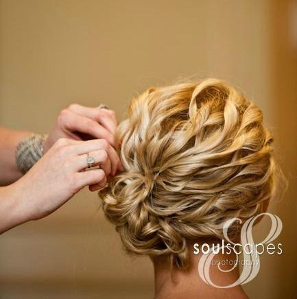 love this and so simple...this would be awesome for Autumns hair!!