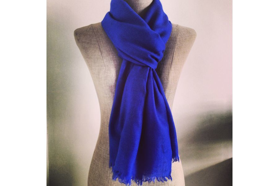 7f9d758d5dfe Écharpe cachemire Bleu du Népal en laine mode homme et femme bleu  électrique - electric blue cashmere wool scarf man and woman