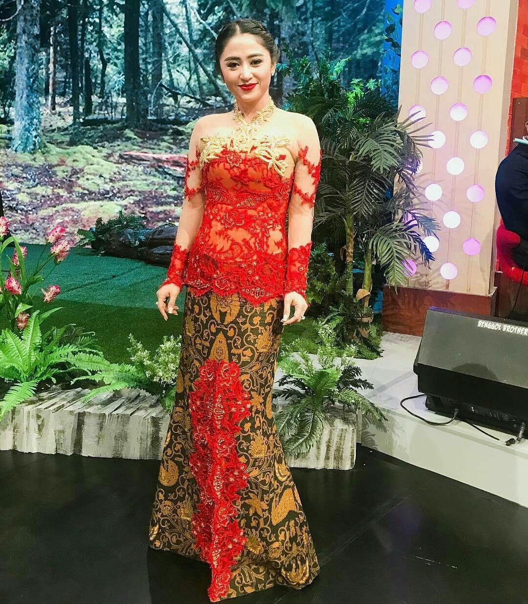 Pin by henny on kebayabatikdress seleb pinterest batik dress