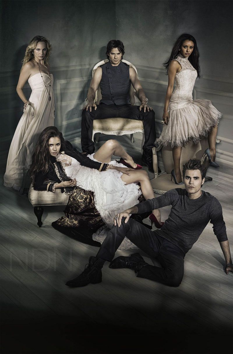 New Season 5 Cast Photo For The Vampire Diaries Tvd Season 5 Vampire Diaries Season 5 Vampire Diaries Seasons Vampire Diaries